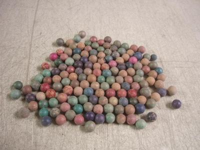 r3559 * staré hliněné kuličky