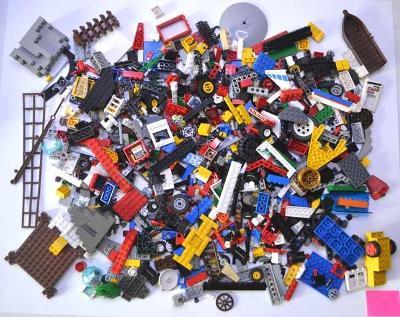 Lego - pouze jednotlivé díly (10) 1,3 kg + dárek oddělovač kostek