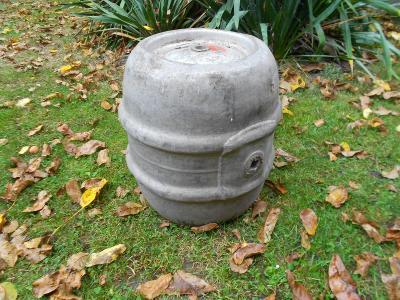 Starý hliníkový pivní sud,50l,tzv.,,štěně,,,značený,nález