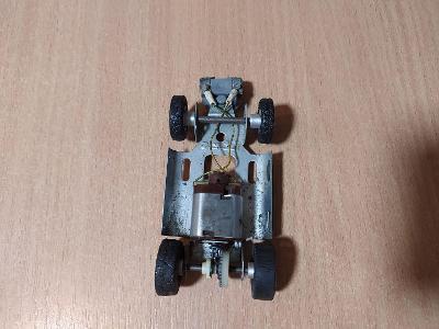 Stará hračka podvozek na Autodráhu ITES retro Č.2