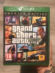 Hra na Xbox one Grand theft auto five