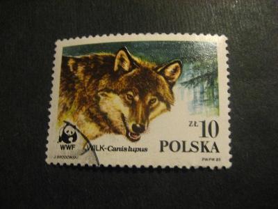 Polsko fauna ražené od korunky