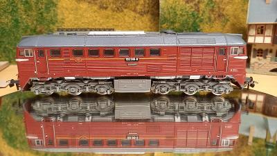 Motorová lokomotiva 120 245-6 H0
