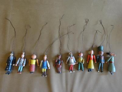 Staré hračky - dřevěné loutky