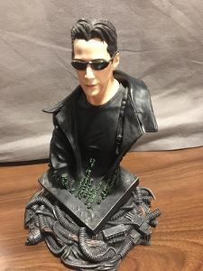 Matrix - sběratelská soška - Neo (nad 300 Kč malý dárek :) )