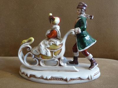 Stará porcelánová figurka Germany - saně