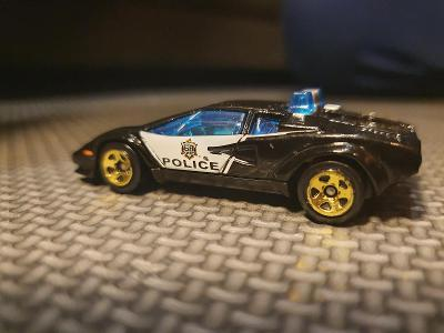 Lamborghini Countach/police car     mattel 2017