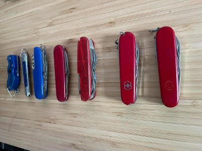 Malá sbírka nožů Victorinox, Mikov a další