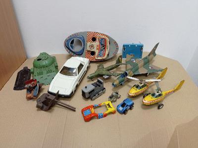 Kdn Ites staré hračky