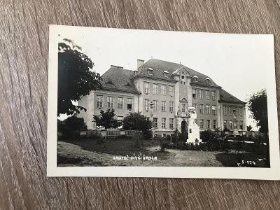 Pohled SKUTEČ- Dívčí škola fot.1927