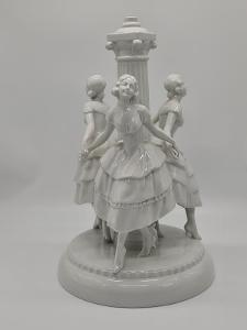 Velká figurální porcelánová socha Tettau Německo