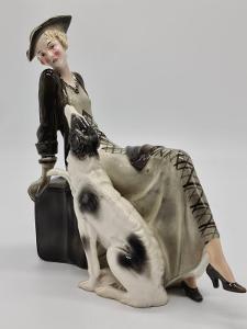 Velká porcelánová socha, figurka dáma se psem