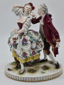 Velká porcelánová socha, figurka