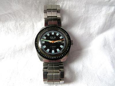 Staré hodinky PRIM SPORT s datumovkou - jdou.