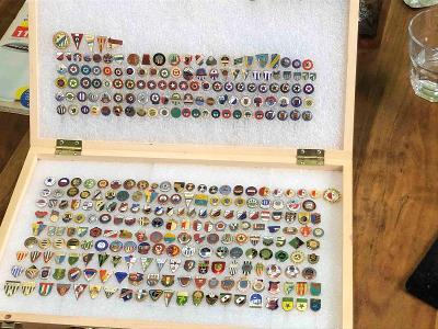 Sportovní odznaky staré - sbírka - fotbal - 320 kusů .