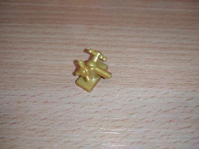 Lego díl 6936 -kohoutek zlatý