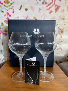 Sada dvou sklenic na víno Bohemian Grace Swarovski
