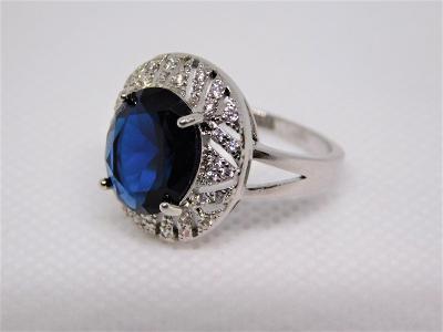 Luxusní stříbrný prsten se zirkony !