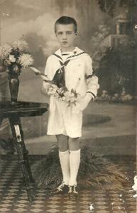 Foto chlapec se svíčkou, první svaté přijímání