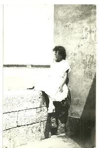 Fotografie z dovolené, žena u moře