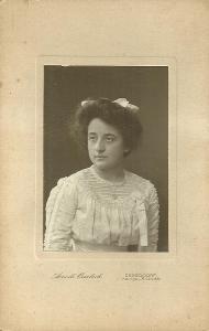 Kabinetka portrét ženy, r. 1909  Německo