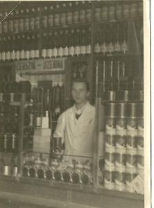 Foto obchod s čerstvou uzeninou r.1946
