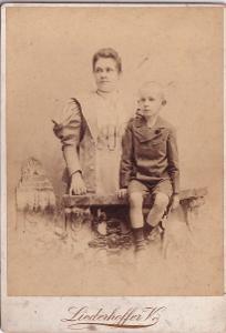 Kabinetka žena s chlapcem, Liederhoffer Budapešť