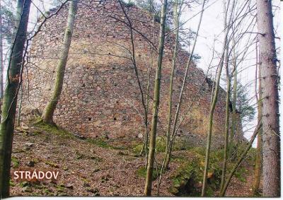 Strádov (Chrudim), hrad