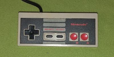 Gamepad pro konzoli NINTENDO NES model NES-004E č. 2