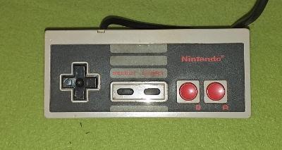 Gamepad pro konzoli NINTENDO NES model NES-004E č. 3