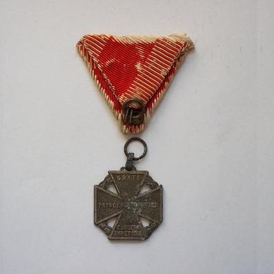 Rakousko-Uhersko Vyznamenání 1916 Karlův Kříž stuha původní