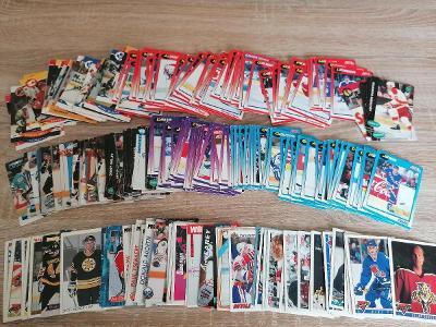 Hokejové kartičky přes 200 ks