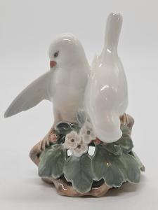 Porcelánová soška, figurka holubičky Královská Kodaň