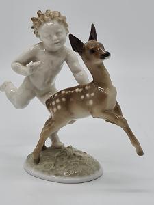 Porcelánová soška, figurka chlapec s kolouškem Hutschenreuther Selb