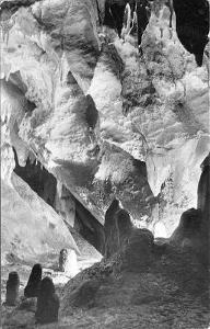 Harmanecká jaskyňa, komín v malém dómu