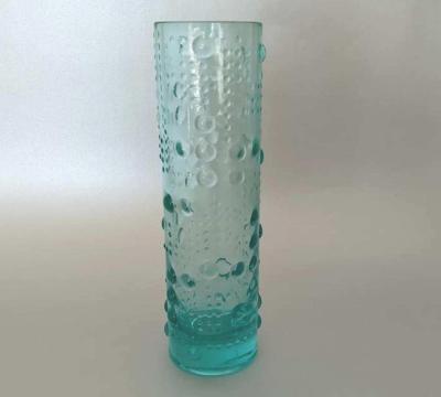váza z ručně lisovaného skla - Václav Hanuš