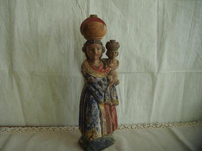 Velmi stará dřevěná soška Příbramské Madony s Jezuletem