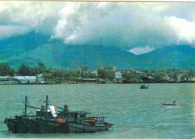 Vietnam, město Da Nang na řece Han, prošlá