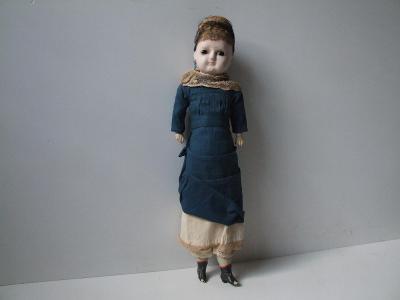 velice stará vosková  panenka v původním oblečení r.1888