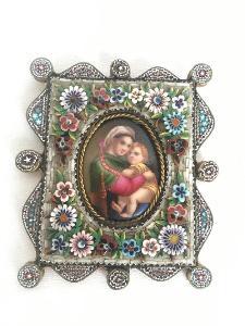 Miniatura madonky v rámečku millefiori 19 století.