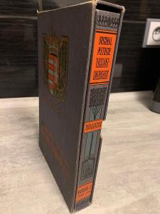 stará kniha v deskách