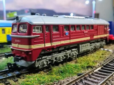 Tillig 02565 BR 220 DR - Sergej, Taigatrommel - pojízdný s problémy