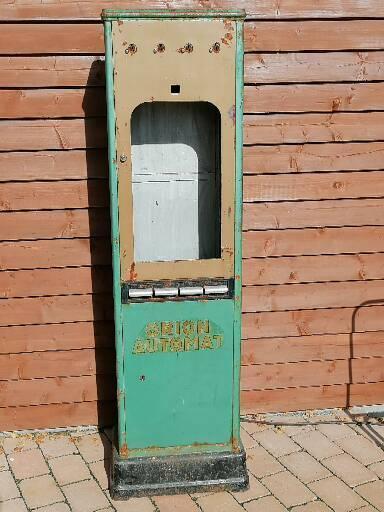 Starý velký automat na čokoládu ORION rarita zajímavost čokoláda