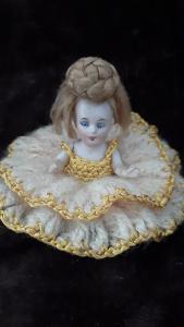 Starožitná čajová panenka (pohyblivé ručičky)