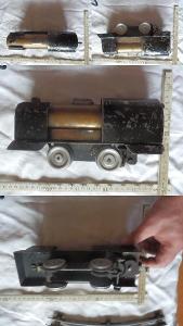 Starožitná plechovo-mosazná parní lokomotiva + koleje výroba do r.1920
