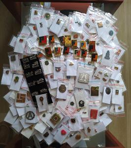 250 zajímavých odznaků každý jiný.