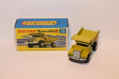Matchbox SF No.28 Mack dump truck