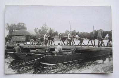 Fotopohlednice - první republika - ženisti - mostní prapor
