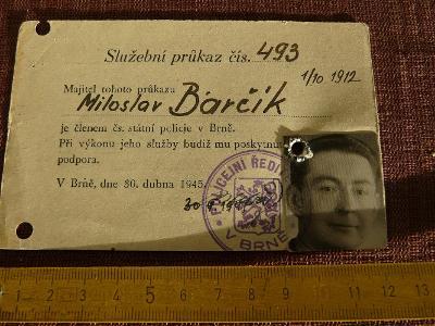 SLUŽEBNÍ PRŮKAZ ČLENA STÁTNÍ POLICIE V BRNĚ 1945
