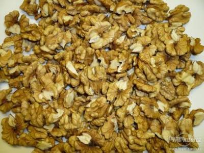vlašské ořechy loupané